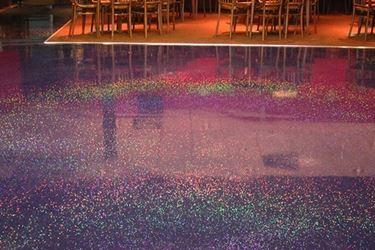 pavimento glitterato