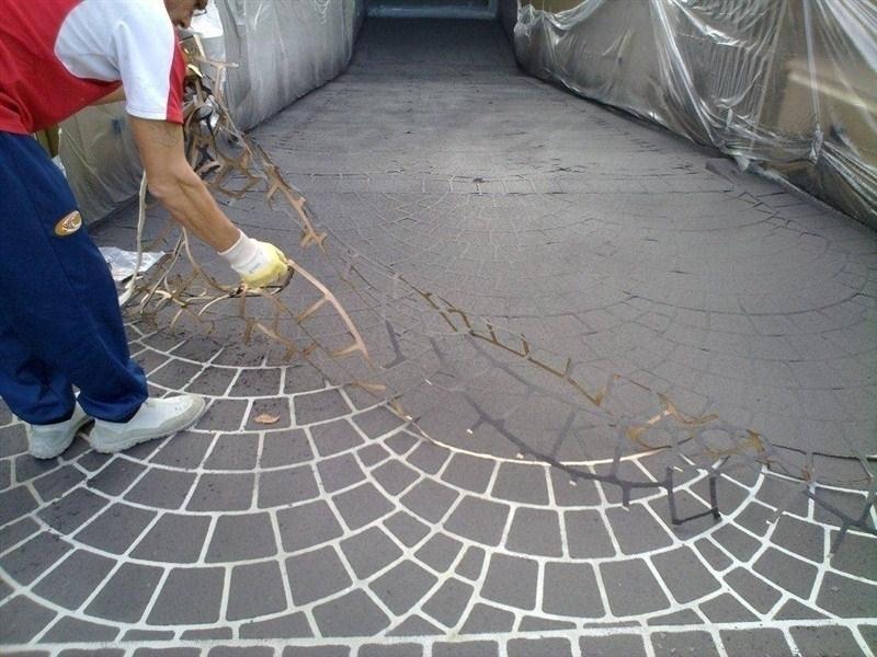 Casa moderna, Roma Italy: Pavimentazioni per esterni in cemento