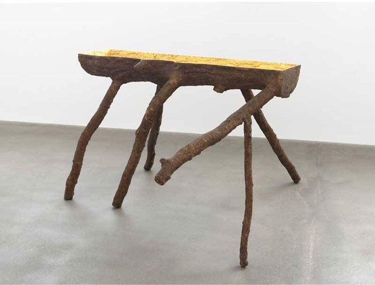 Un pavimento in resina valorizza il mobilio di casa