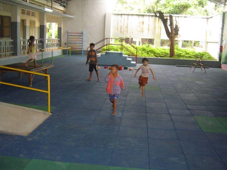 I pavimenti in gomma sono molto utilizzati nelle scuole