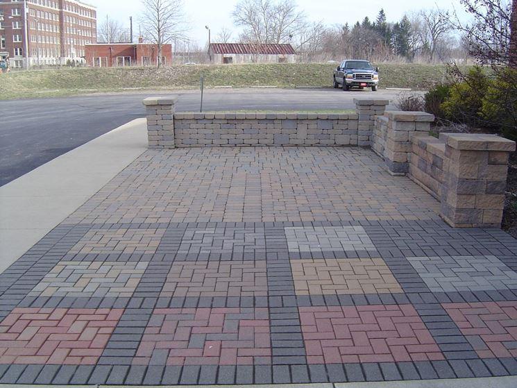 I masselli autobloccanti sono molto usati per le pavimentazioni esterne