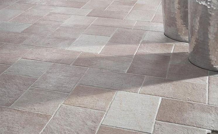 Come scegliere i pavimenti per terrazze esterne - Pavimentazione cortile esterno ...