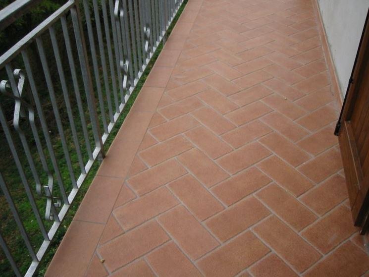 Rivestimenti Balconi Esterni : I pavimenti per balconi pavimento da esterni come scegliere i
