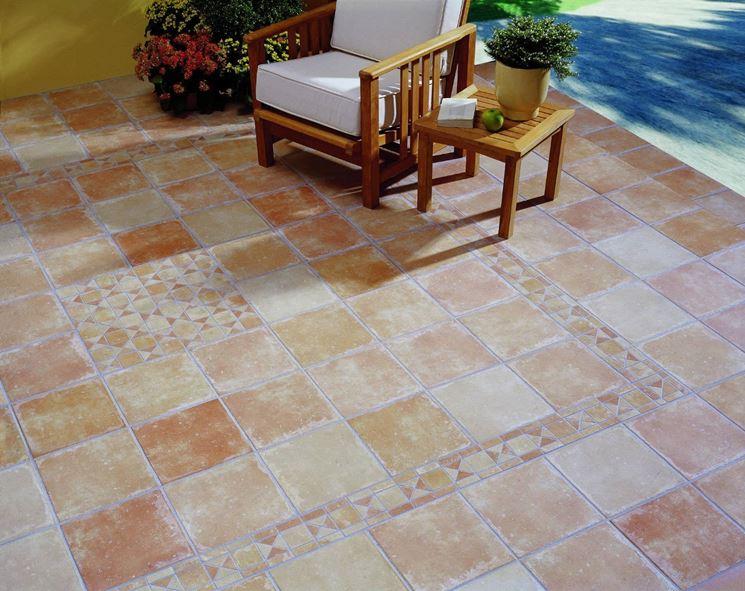 Modelli di piastrelle per pavimenti   pavimento da esterni ...