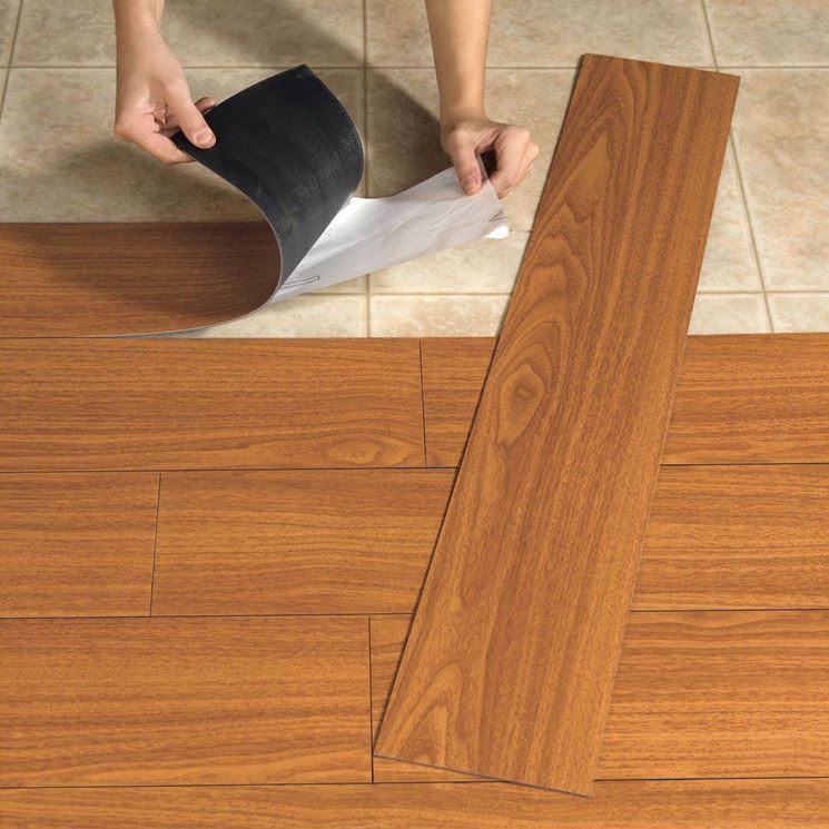 Il linoleum viene solitamente applicato su superfici preesistenti