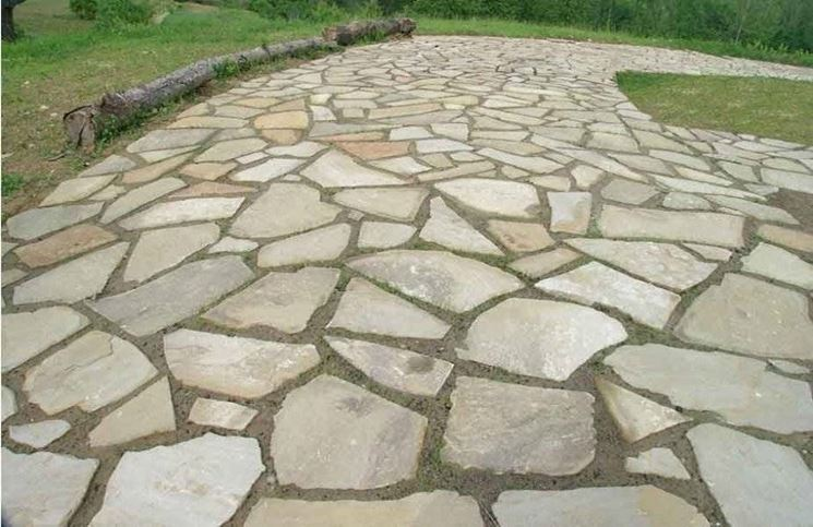 Pavimentazione giardino in pietra so35 regardsdefemmes for Pavimento da giardino