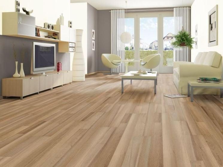 Pavimenti laminati prezzi pavimento da interni costo - Levigare il parquet senza togliere i mobili ...
