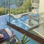 Pavimento in vetro calpestabile