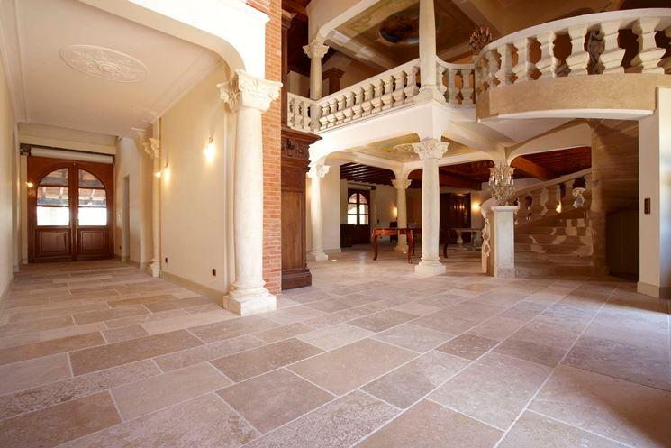 Pavimento in marmo naturale