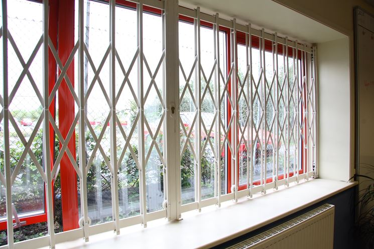 esempio di inferriate per finestre