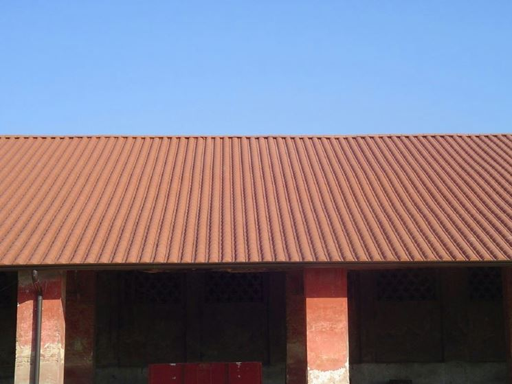 Tipi di coperture tetti in pvc coprire il tetto tetti for Misure lucernari per tetti