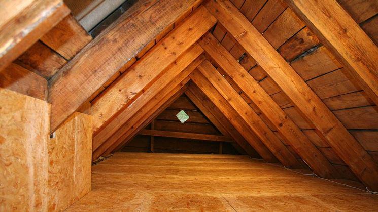 Solaio in legno con travi a vista