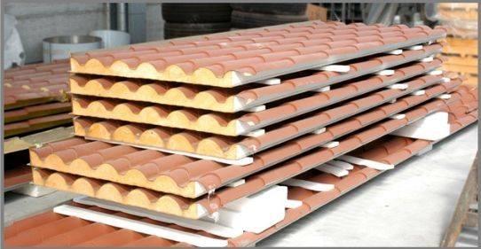 Migliori materiali per tetti il tetto ecco i migliori for Costo pannelli coibentati finto coppo