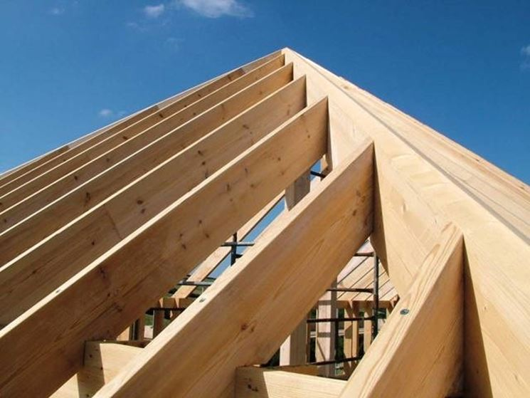 Perfect realizzare tetti in legno with tetti in legno moderni for Casa legno antisismica costo