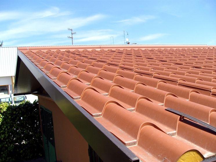 tetto pannelli coibentati