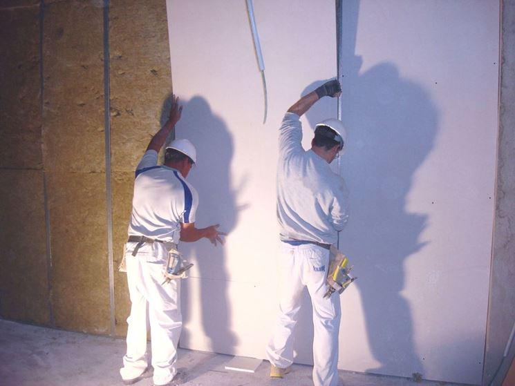 Applicate i pannelli alla struttura portante