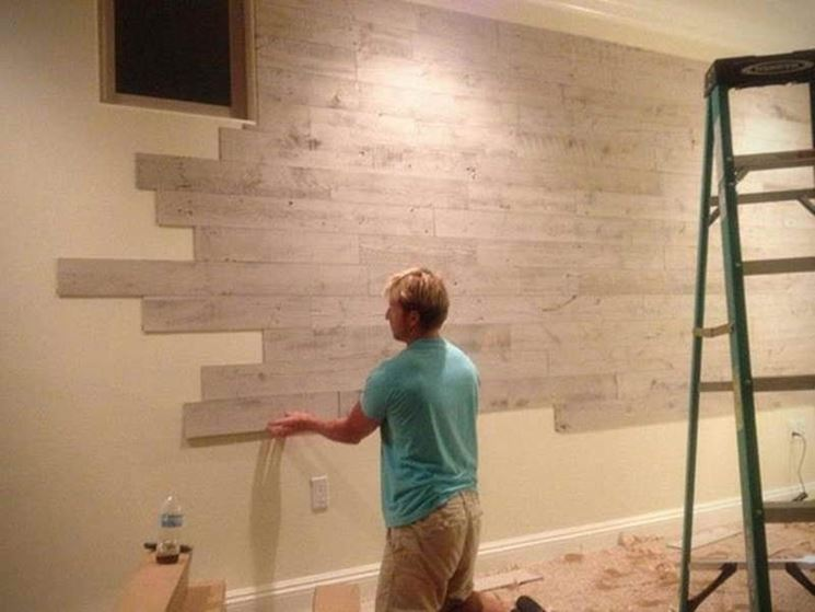 Installare pareti in legno le pareti pareti in legno da installare - Piastrelle per pareti interne ...