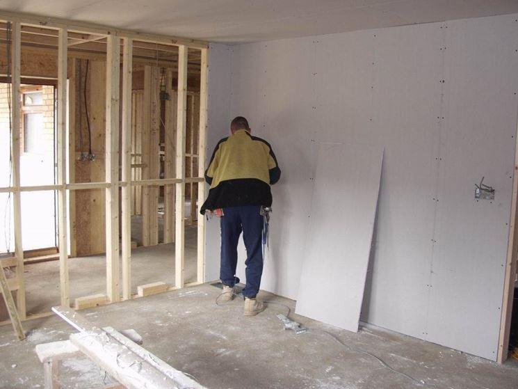 Realizzare pareti in cartongesso le pareti realizzare - Come costruire una parete in cartongesso con porta scorrevole ...