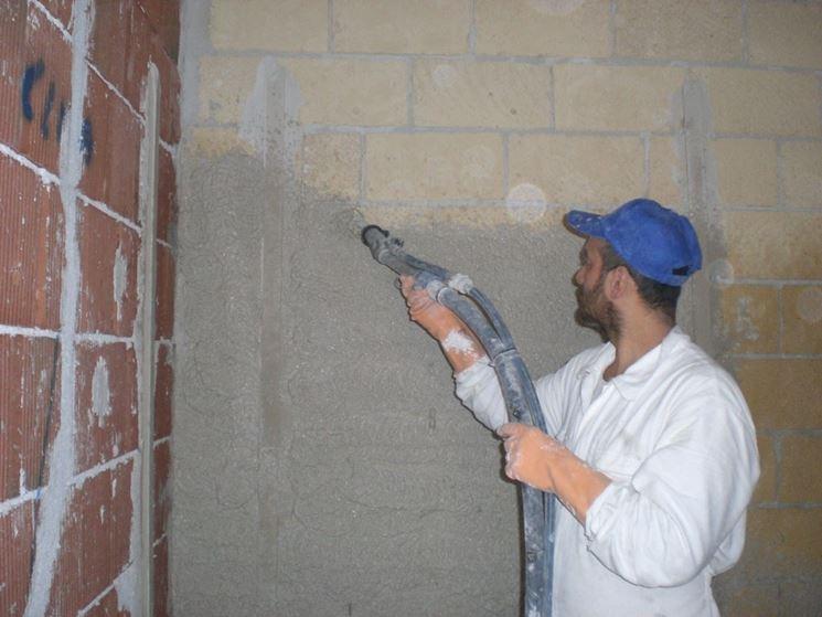 Intonacatura di pareti interne