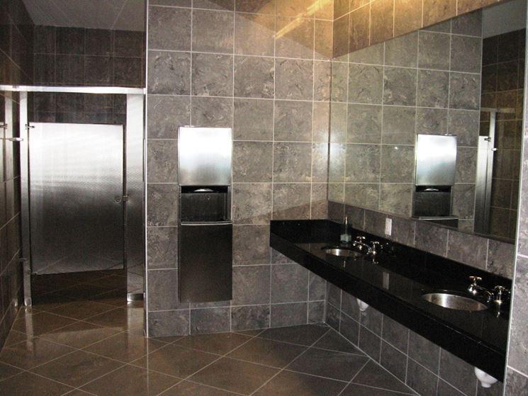 Rivestimento per bagno in granito