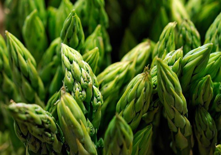 Particolare delle punte di asparagi