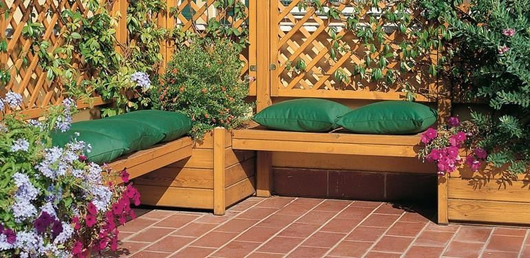 Come scegliere le fioriere da giardino scelta dei vasi - Vasi in giardino ...