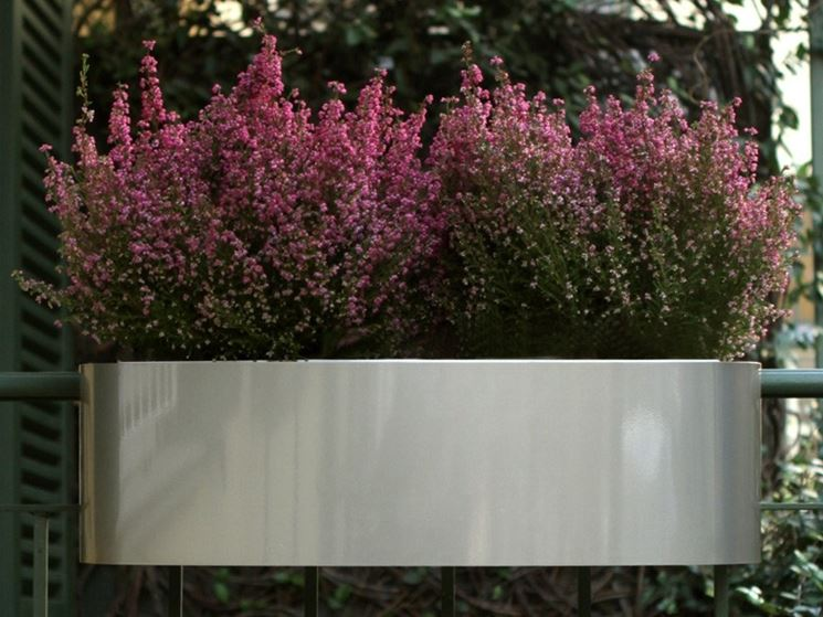 Come scegliere le fioriere per esterno scelta dei vasi fioriere da esterno - Piante da esterno in vaso ...